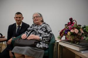 Ravnatelj Klasične gimnazije B. Anić također je profesorici čestitao jubilarni rođendan.