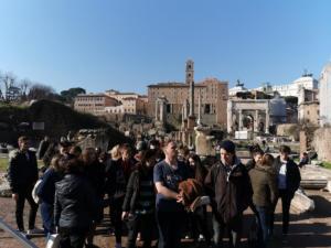 Rimski Forum - središte društvenog i političkog života staroga Rima.